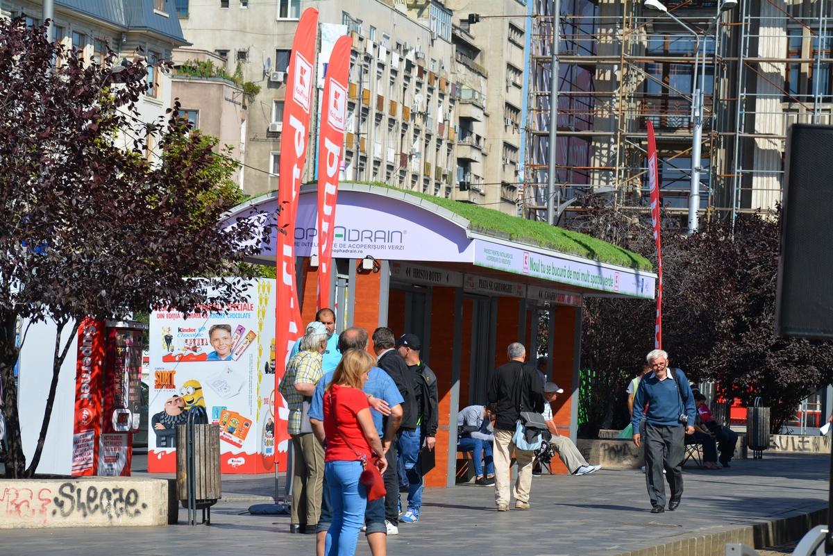 Zeleni krov tramvajskom stajalištu